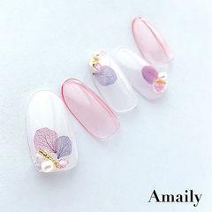 圆形粉色白色干花珍珠美甲图片