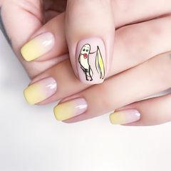 方圆形黄色白色手绘水果香蕉渐变夏天可爱美甲图片
