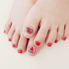 脚部红色手绘水果西瓜夏天想学习这么好看的美甲吗?可以咨询微信mjbyxs6哦~美甲图片