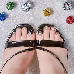 脚部黑色银色钻想学习这么好看的美甲吗?可以咨询微信mjbyxs6哦~美甲图片