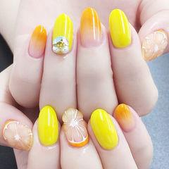 圆形橙色黄色钻手绘水果夏天渐变跳色想学习这么好看的美甲吗?可以咨询微信mjbyxs6哦~美甲图片