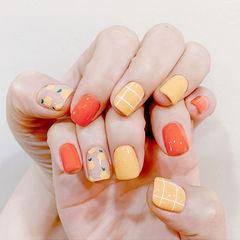 方圆形橙色黄色手绘水果跳色夏天格子想学习这么好看的美甲吗?可以咨询微信mjbyxs6哦~美甲图片