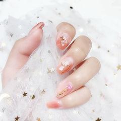 方圆形粉色贝壳片金箔想学习这么好看的美甲吗?可以咨询微信mjbyxs6哦~美甲图片