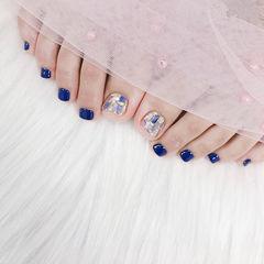 脚部蓝色贝壳片想学习这么好看的美甲吗?可以咨询微信mjbyxs6哦~美甲图片