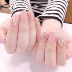 圆形粉色裸色金属饰品简约想学习这么好看的美甲吗?可以咨询微信mjbyxs6哦~美甲图片