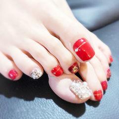 脚部红色钻珍珠新娘想学习这么好看的美甲吗?可以咨询微信mjbyxs6哦~美甲图片