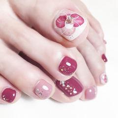 脚部玫红色白色手绘花朵想学习这么好看的美甲吗?可以咨询微信mjbyxs6哦~美甲图片