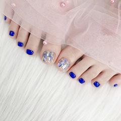 脚部蓝色贝壳片夏天想学习这么好看的美甲吗?可以咨询微信mjbyxs6哦~美甲图片