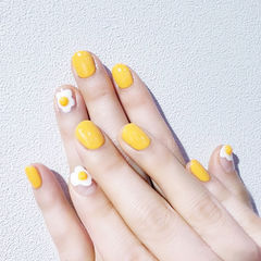 圆形黄色手绘鸡蛋可爱夏天想学习这么好看的美甲吗?可以咨询微信mjbyxs6哦~美甲图片