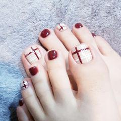 脚部红色白色线条想学习这么好看的美甲吗?可以咨询微信mjbyxs6哦~美甲图片