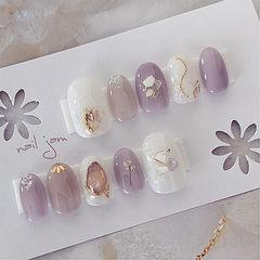 圆形紫色白色贝壳片金箔日式美甲图片