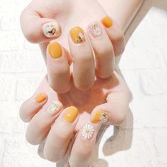 方圆形橙色手绘花朵贝壳片短指甲夏天美甲图片