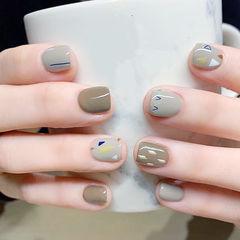 方圆形绿色灰色手绘短指甲美甲图片