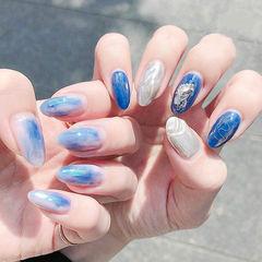 尖形蓝色银色晕染银箔想学习这么好看的美甲吗?可以咨询微信mjbyxs6哦~美甲图片