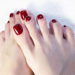 脚部红色纯色显白新娘美甲图片