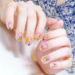 方圆形黄色黑色手绘简笔画短指甲美甲图片