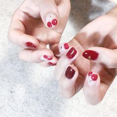 圆形红色手绘水果樱桃想学习这么好看的美甲吗?可以咨询微信mjbyxs6哦~美甲图片