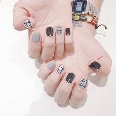 方圆形黑色灰色格纹短指甲美甲图片