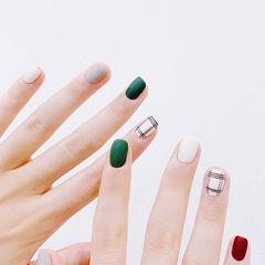 方圆形绿色红色白色格纹跳色磨砂美甲图片