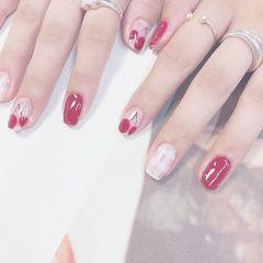 方圆形红色白色手绘水果格纹樱桃想学习这么好看的美甲吗?可以咨询微信mjbyxs6哦~美甲图片