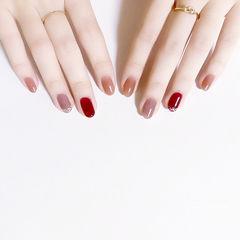 圆形红色焦糖色跳色美甲图片