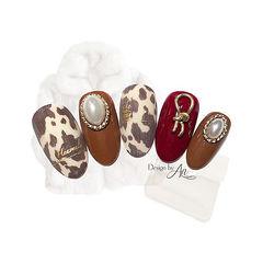 圆形棕色红色手绘豹纹珍珠金属饰品美甲图片