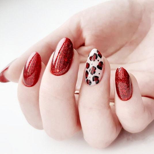 圆形红色白色手绘豹纹全国连锁日式学校学美甲加微信:mjbyxs15美甲图片