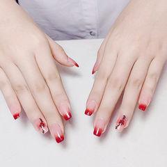 方圆形红色渐变手绘新年美甲图片