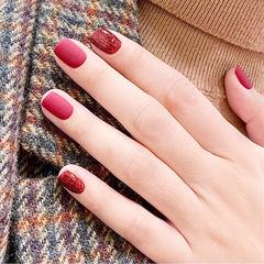 方圆形红色磨砂新年简约显白美甲图片