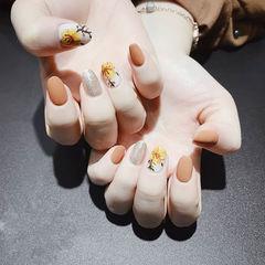 圆形橙色银色手绘花朵跳色磨砂全国连锁日式学校学美甲加微信:mjbyxs15美甲图片