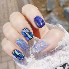 方圆形蓝色晕染水波纹贝壳片金箔美甲图片