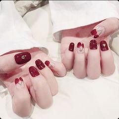 方圆形酒红色手绘水果樱桃美甲图片