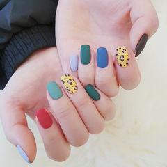 方圆形红色黄色蓝色绿色手绘豹纹磨砂跳色美甲图片