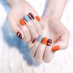 方圆形棕色蓝色橙色格纹跳色磨砂美甲图片