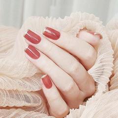 方圆形红色法式简约美甲图片