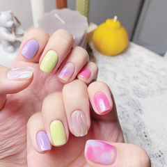 方圆形粉色绿色紫色银色水波纹跳色美甲图片