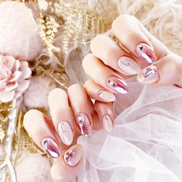 圆形白色粉色镜面钻全国连锁日式学校学美甲加微信:mjbyxs15美甲图片