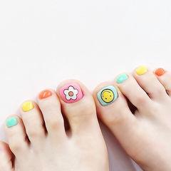 脚部粉色橙色黄色绿色手绘笑脸花朵跳色夏天美甲图片