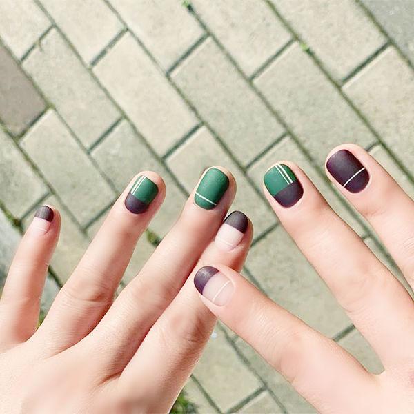 方圆形绿色棕色平法式线条磨砂短指甲美甲图片
