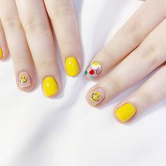 方圆形黄色笑脸可爱夏天美甲图片