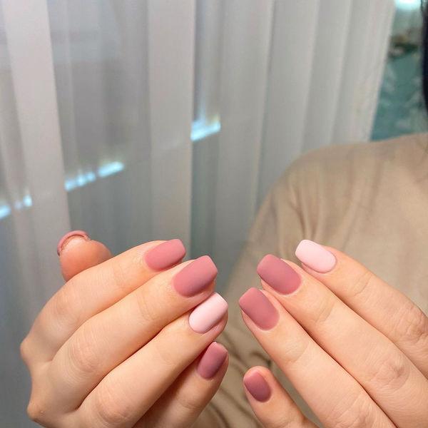 磨砂粉色美甲图片