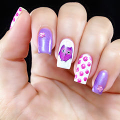 白色紫色可爱方圆形手绘可爱猫头鹰~美甲图片