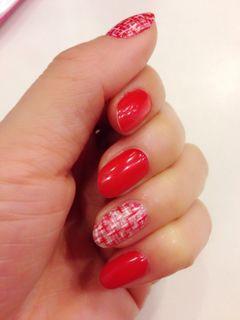 红色圆形简约新娘香奈儿格子美甲图片