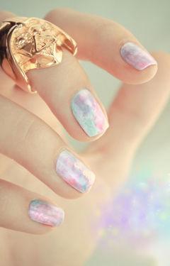 蓝色粉色方圆形渐变彩色晕染,随意的美~美甲图片