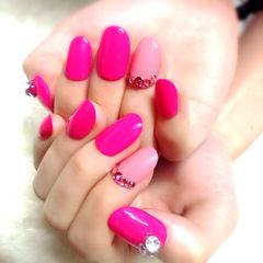 红色粉色简约新娘圆形美甲图片