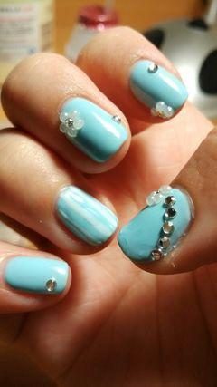 可爱创意光疗蓝色水钻,珍珠,浅蓝,条纹美甲图片