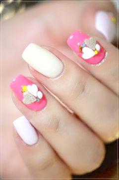 可爱方形粉色白色日式让指尖堆满爱美甲图片