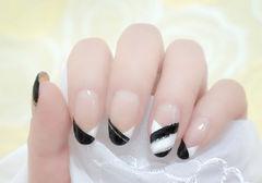 圆形白色黑色简约唯美黑白简约家美甲图片