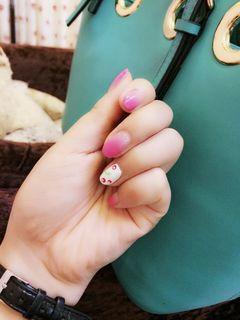 圆形粉色简约渐变美丽大方美甲图片