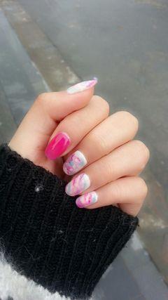 可爱日式圆形粉色紫色特喜欢美甲图片